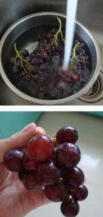 酸葡萄也有春天:自制葡萄汁 ,葡萄洗净,剪成小串,放蒸锅里
