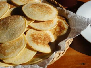 煎薄圆饼——Pikelets