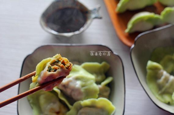 鲜美多汁的白菜水饺~~