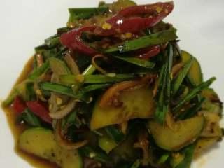 腌拌黄瓜韭菜