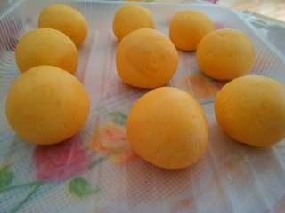 南瓜丸子#夏天的味道#,同样的方法完成所有的丸子