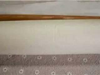 肉松卷, 借助擀面杖卷起放冰箱定型30分钟