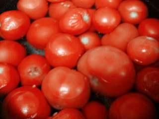 自制番茄沙司+#夏天的味道#,西红柿洗净控干