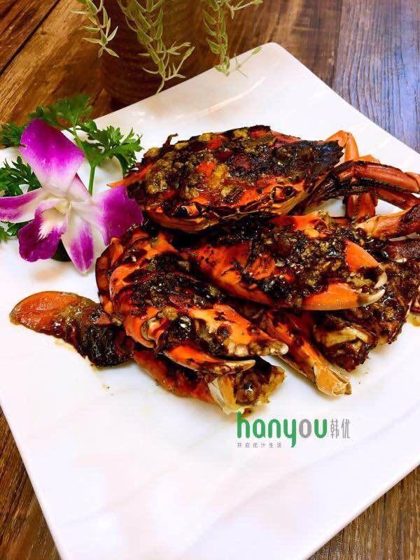 韩优空气炸锅---精致黑椒青蟹,出锅。。入盘