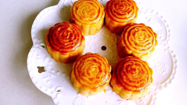 广式绿豆沙蛋黄月饼+#中秋食饼记#