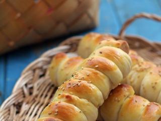 做一个有能量的面包——香肠面包卷