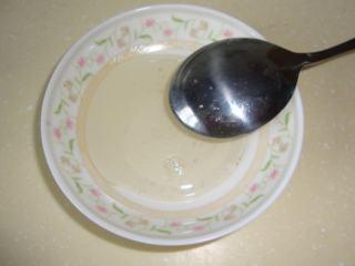 甜蜜冰爽:水果捞,白糖加水熬成糖浆