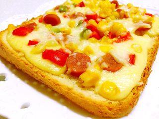 简易快手早餐~吐司披萨