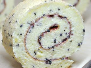【高粉黑芝麻蓝莓蛋糕卷】