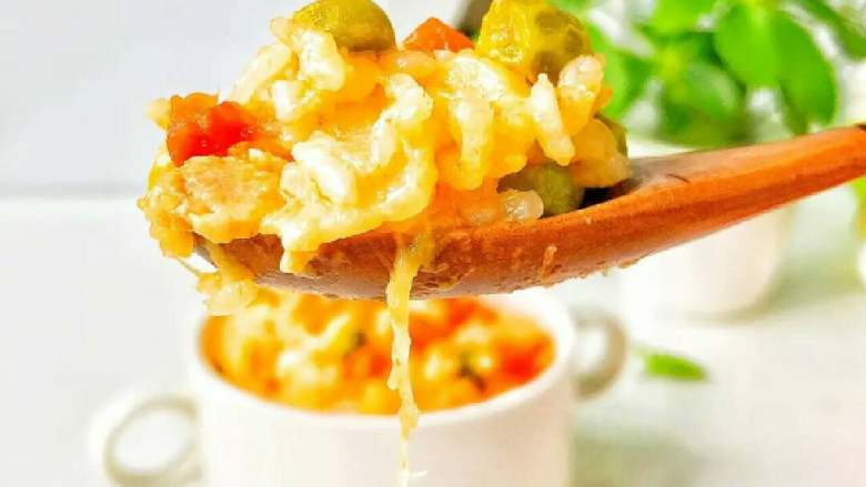 宝宝辅食:一只番茄饭(改良版)— 番茄的酸甜,芝士的奶香,层层包裹着软糯的米饭!12M+