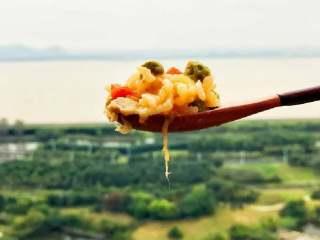 宝宝辅食:一只番茄饭(改良版),盛出