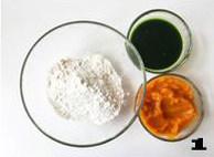 【向日葵面点】,准备好食材。菠菜提前打汁,南瓜蒸熟碾碎成泥。