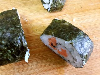 家庭版简单寿司,瞧,不散。哈哈😄。