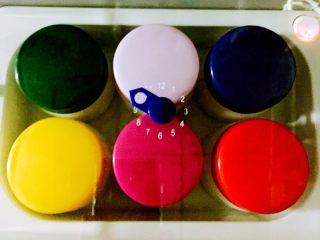 自制奶粉香草酸奶#有个故事#,插上电源、制定10个小时就OK喽……