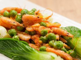 咸蛋黄炒小河虾