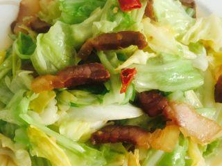 腊肉炒卷心菜