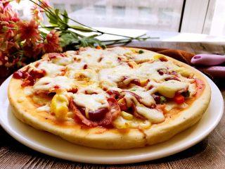 培根时蔬披萨,味道美美哒。