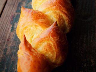 麦穗椰蓉面包,色泽金黄满屋飘香