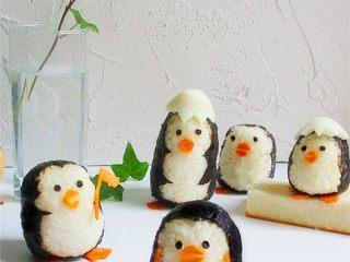 可爱的企鹅饭团,组合起来还可以给孩子们讲个故事呢!