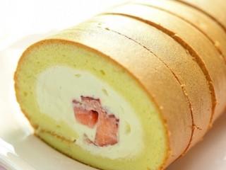 草莓奶油蛋糕卷,享受这美味吧!