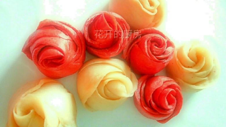 美丽的花馍馍,蒸好的花馍卷口感面香有嚼劲.色彩油亮丰富.