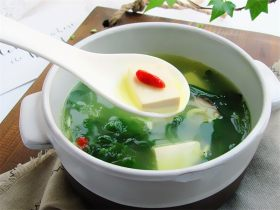 野菜香菇豆腐汤