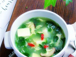 野菜香菇豆腐汤,靓汤即享