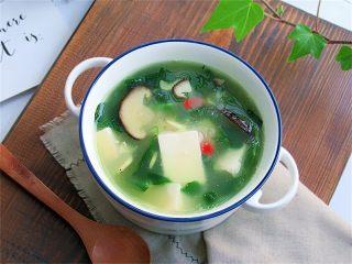 野菜香菇豆腐汤,成品欣赏