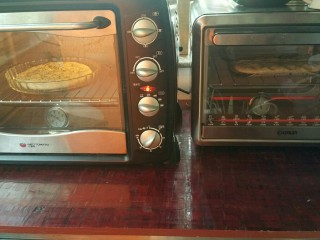 佛卡恰面包,烤箱200度20分钟