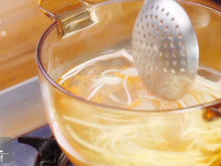香煎虾饼-宝妈首选的补钙儿童餐,焯熟