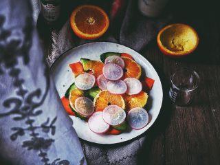 春日香橙萝卜沙拉 健康低卡,随意的撒入盘中