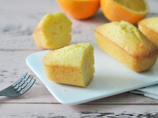橙香磅蛋糕,小小的一个,负担也不重。