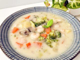 宝宝辅食:彩蔬虾仁浓汤-18M+ ,完成,开吃,香浓的汤汁,软烂的蔬菜,不管是搭配米饭还是用来搭配面包都可以。