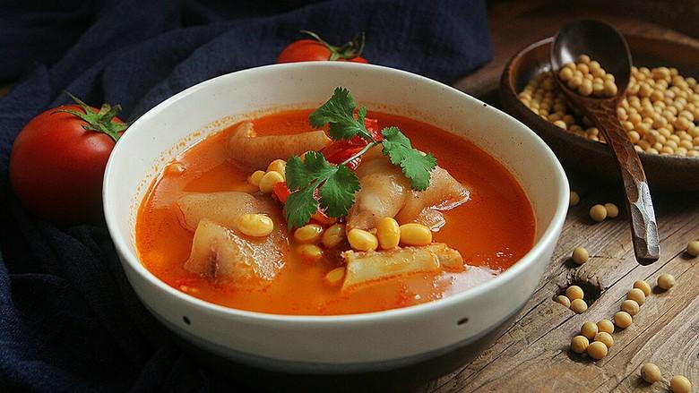番茄黄豆猪蹄汤,充满食欲的一碗汤!