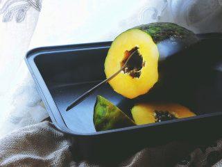 木瓜椰奶冻,勺子伸进去转几圈