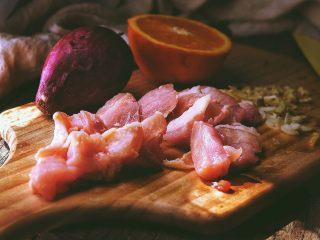春日小清新 香橙煎鸡肉,鸡肉切小块