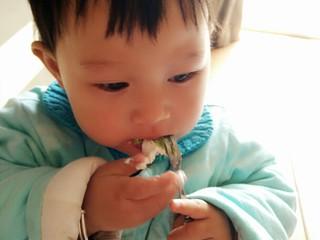 日式抹茶红豆草莓瑞士蛋糕卷(超详细),小彩蛋 真人秀来啦! 看看我家小吃货对这个蛋糕卷的评价吧