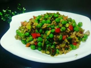 酸菜肉沫炒豌豆