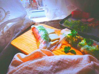 越南春卷 春天的小清新,没有虾仁也可以放豆腐片 (豆腐可以煎熟再放 我直接放了)
