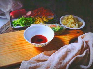 越南春卷 春天的小清新,再加入一勺海鲜酱油调味