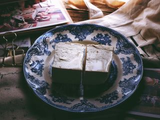 一清二白 久吃不腻的 小葱拌豆腐,准备材料