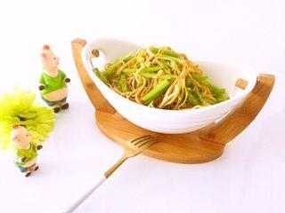 凉拌香芹干豆腐………凉拌菜夏季伴侣