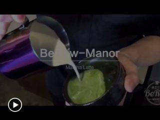 原创 | 抹茶拿铁,直接将奶泡倒入茶咖混合液或点击查看拉花视频