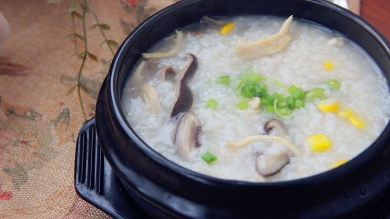 香菇鸡肉粥,美味。