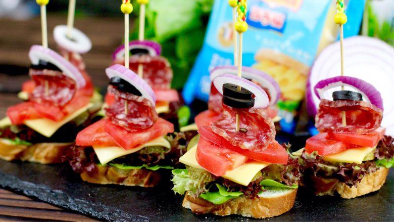 开放三明治,摆好盘