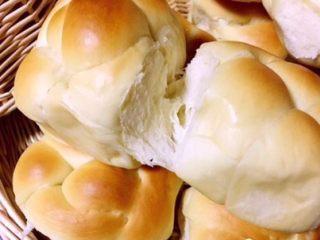 老式面包,拉丝了