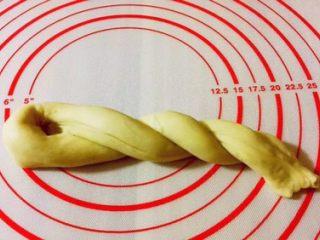 老式面包,一个方向上三个劲