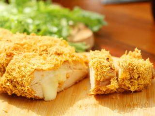 芝士爆浆鸡排,12、不但不用油,还会烤出鸡肉里含的多余的油。