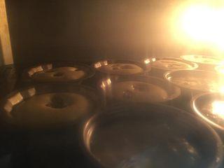 肉松小热狗面包,烤箱170度预热5分钟,放中下层,烤约15分钟即可。