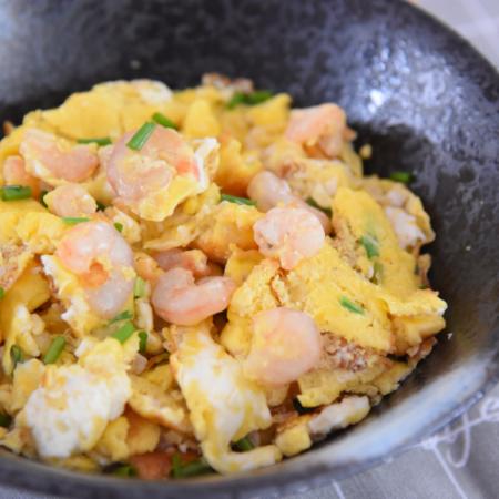 虾仁炒蛋这样做绝对好吃,清香四溢一点都不